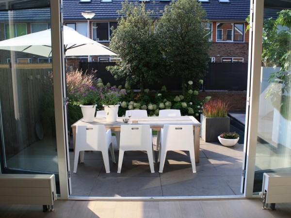 Moderne tuin in Reeuwijk