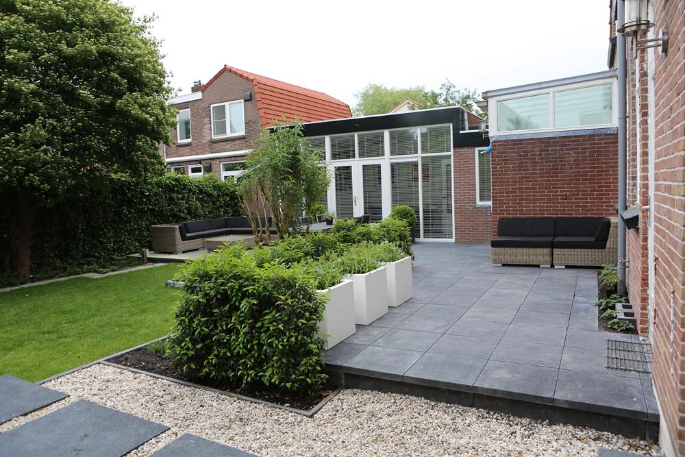 Moderne tuin in amstelveen tuinontwerpburo groenendijk for Moderne kleine tuin