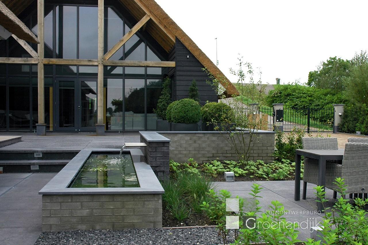 Grote tuin in Ouderkerk aan den IJssel