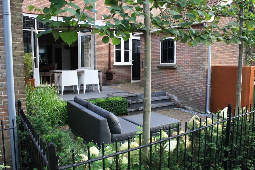 Jaren 30 tuin in woerden tuinontwerpburo groenendijk for Moderne aanbouw aan klassiek huis