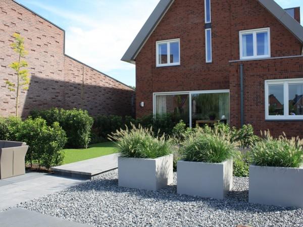 Moderne tuin in utrecht tuinontwerpburo groenendijk for Ontwerp voortuin met parkeerplaats