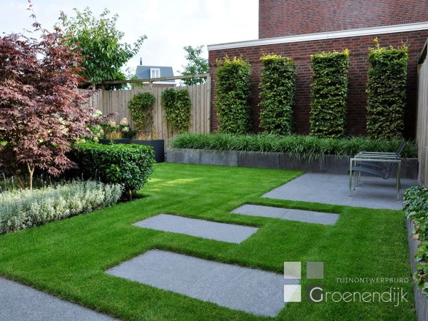 Tuinontwerpburo groenendijk for Strakke kleine tuin